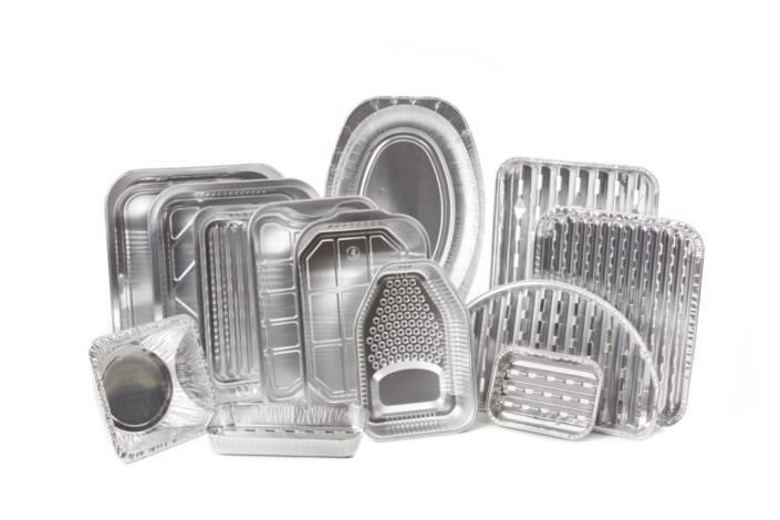 Récipients, plats et plats pour grill en aluminium